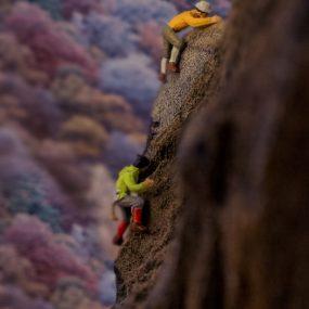 03 CLIMBING
